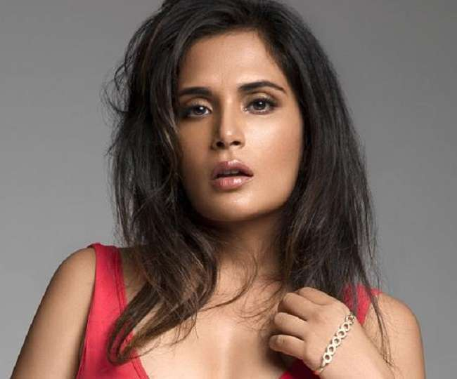 Richa Chadha Helps Hungry People